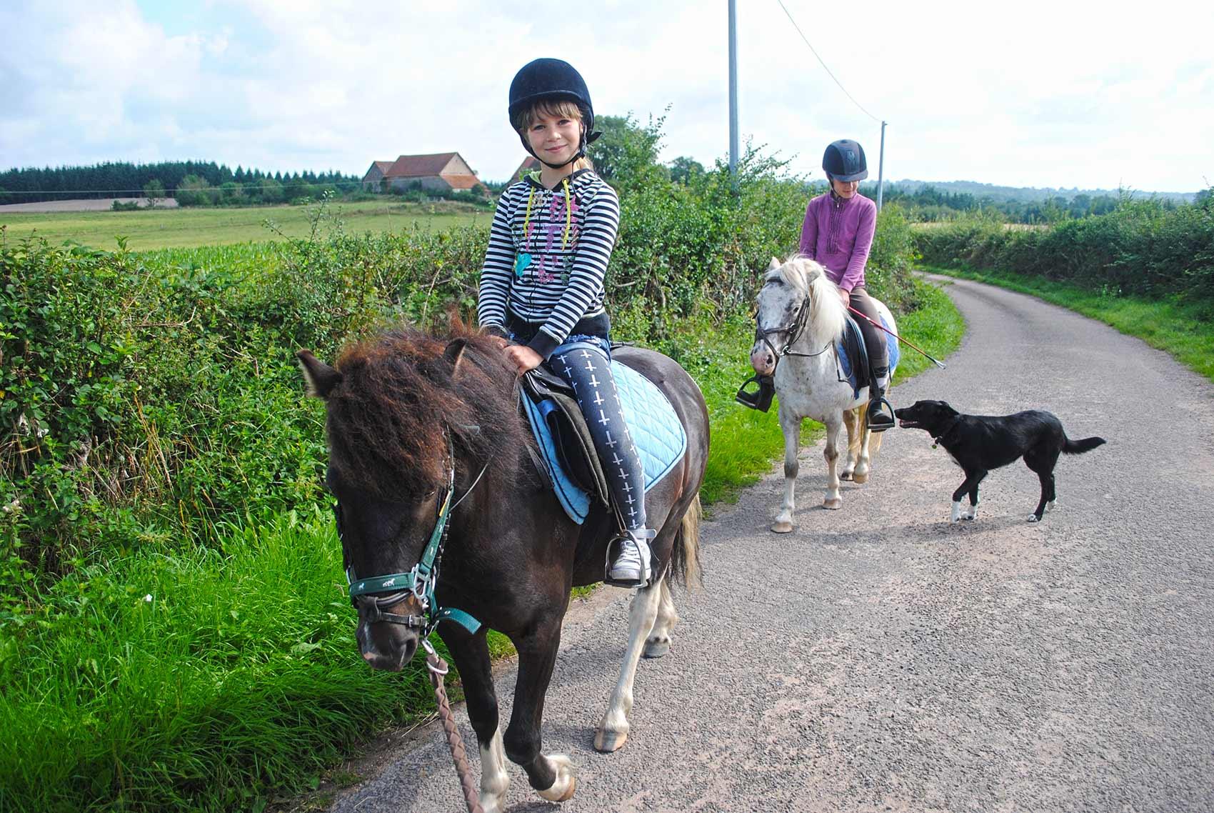 Activiteiten, pony rijden