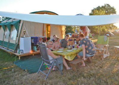 kleinschalige camping Brénazet, Tunneltent